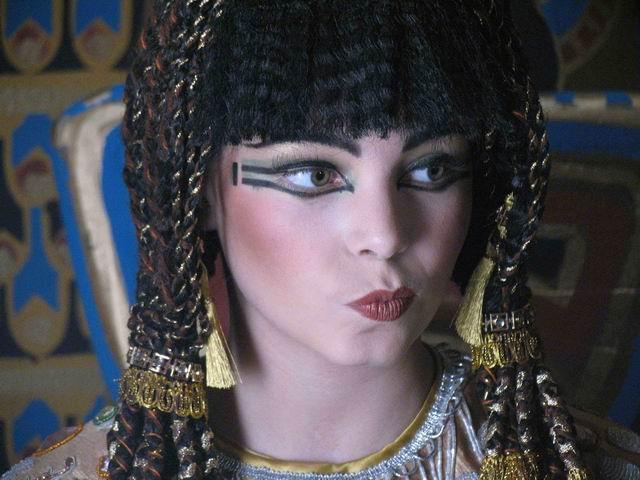 кадры из фильма Азирис Нуна