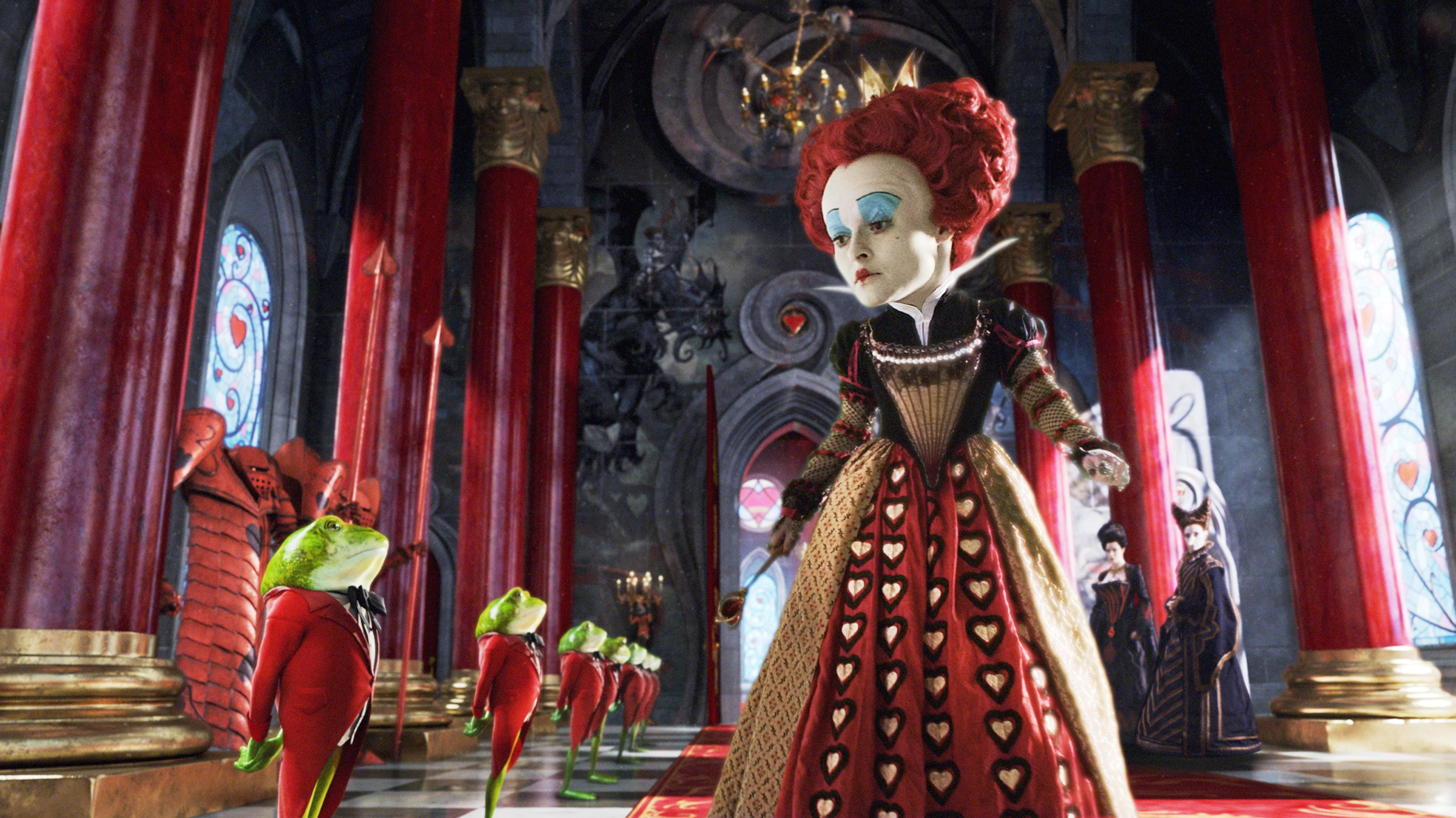 кадры из фильма Алиса в Стране чудес Хелена Бонэм Картер,