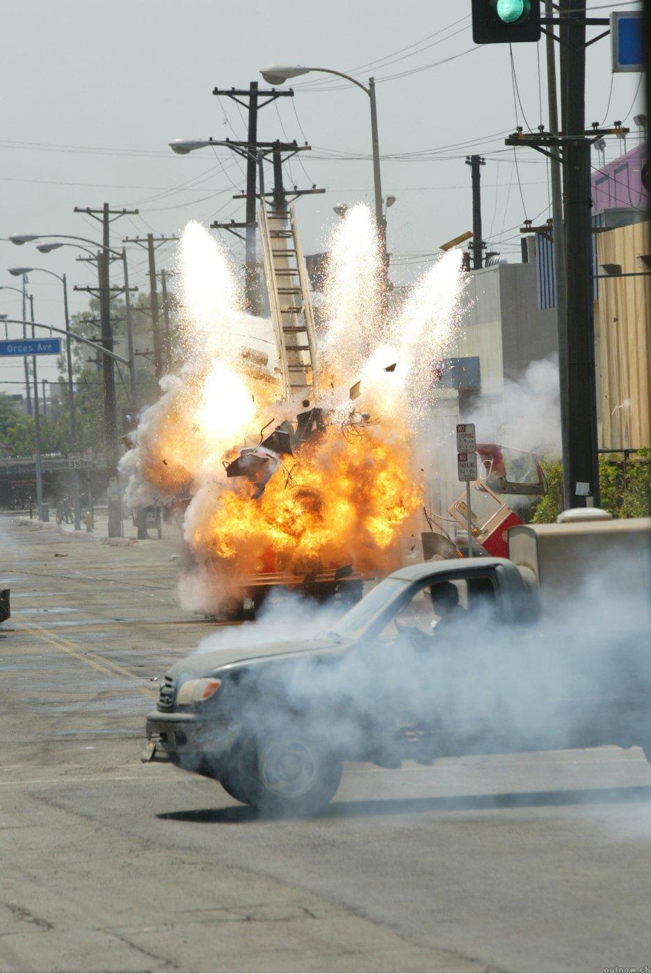 кадры из фильма Терминатор 3: Восстание машин