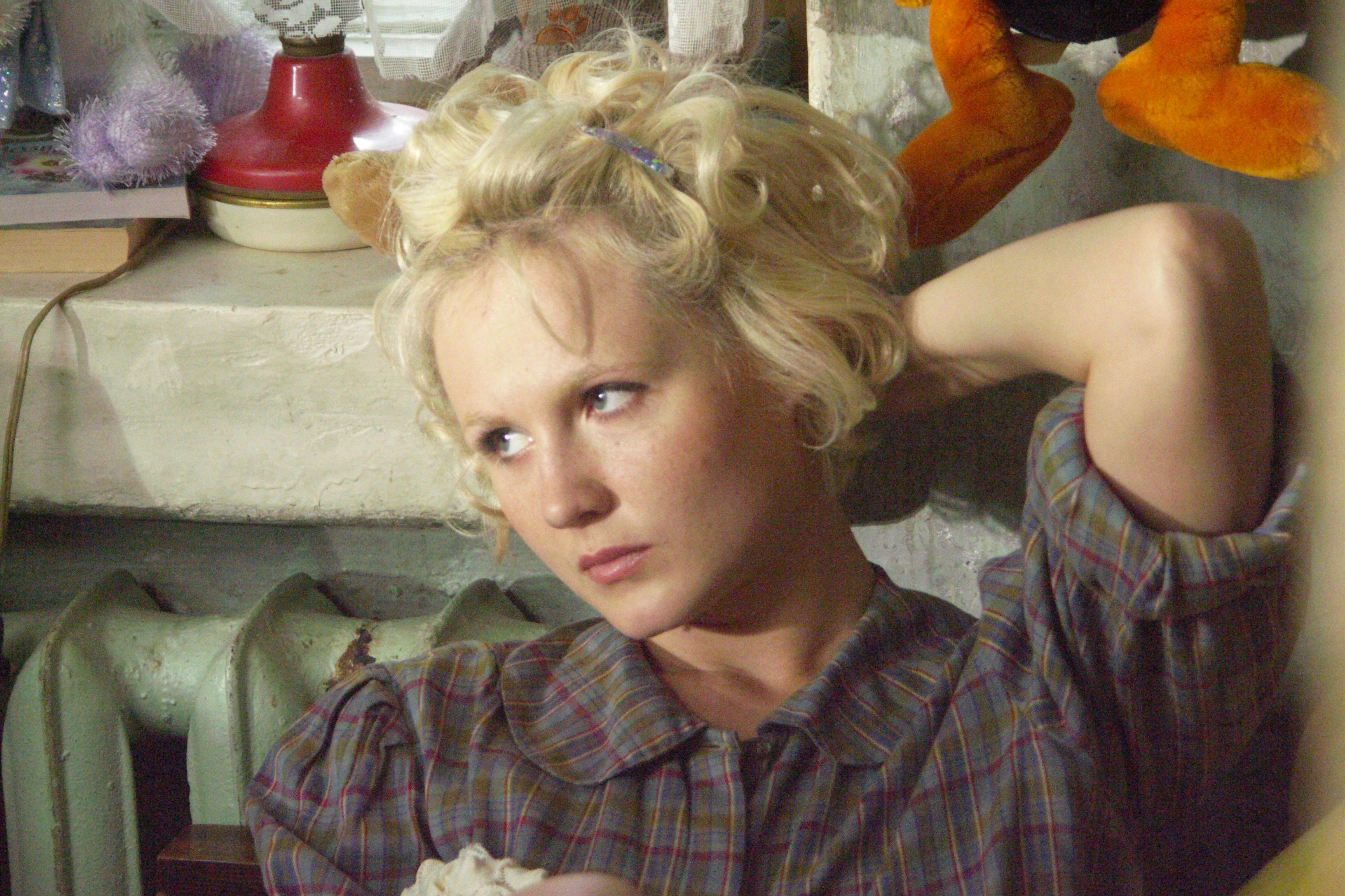 кадры из фильма Ночные сестры Ангелина Миримская,