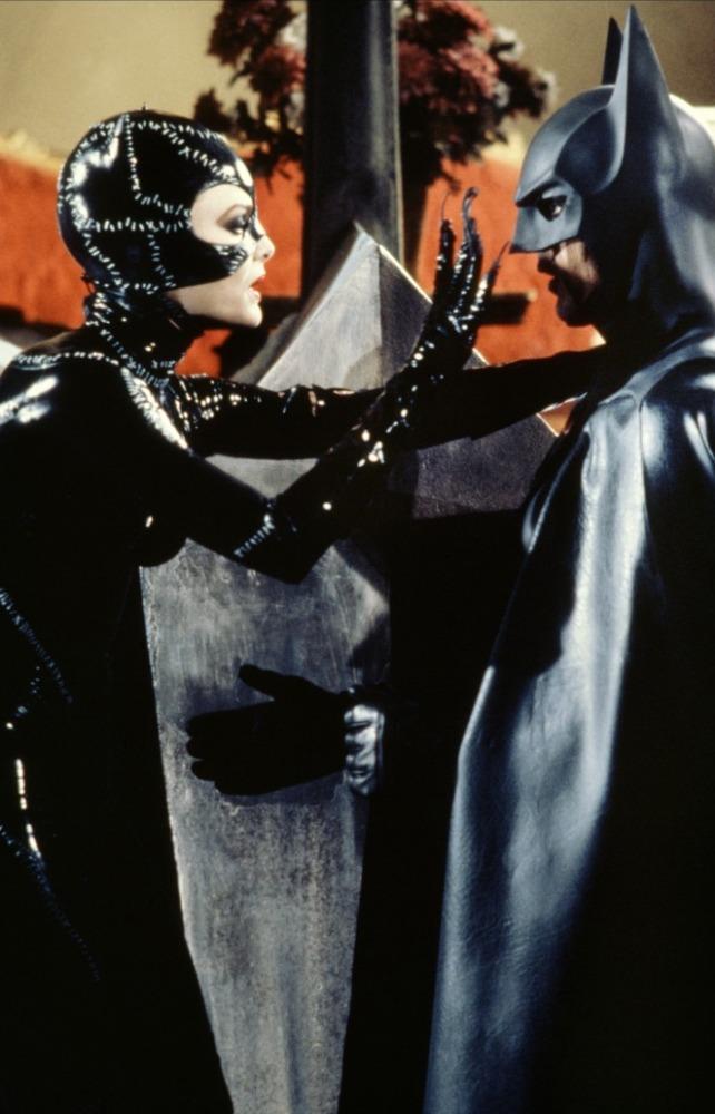 кадры из фильма Бэтмен возвращается Майкл Китон, Мишель Пфайффер,