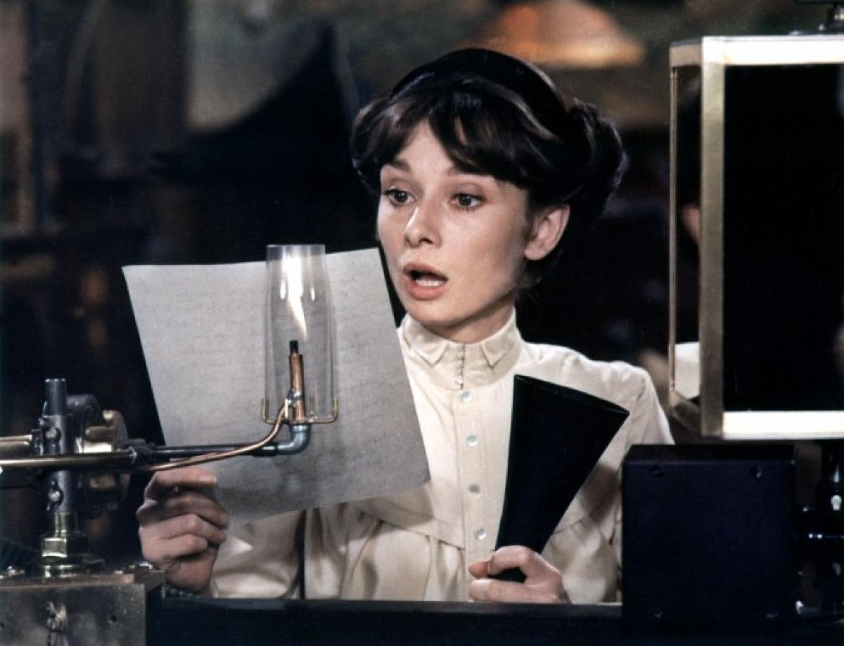 кадры из фильма Моя прекрасная леди Одри Хепберн,