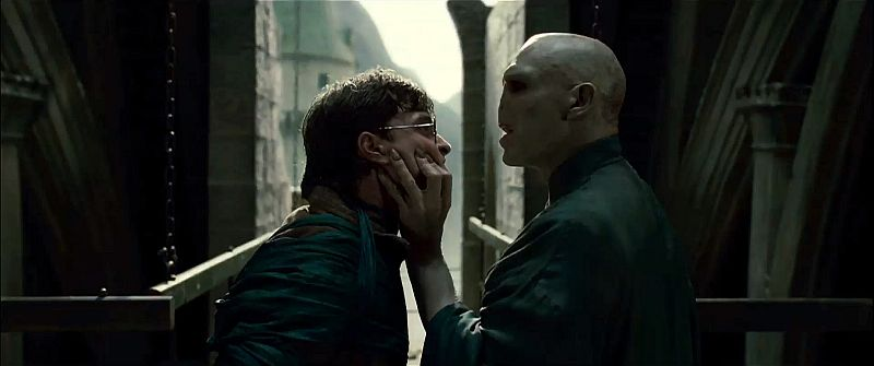 кадры из фильма Гарри Поттер и Дары Смерти: Часть вторая Дэниэл Рэдклифф, Рэйф Файнс,