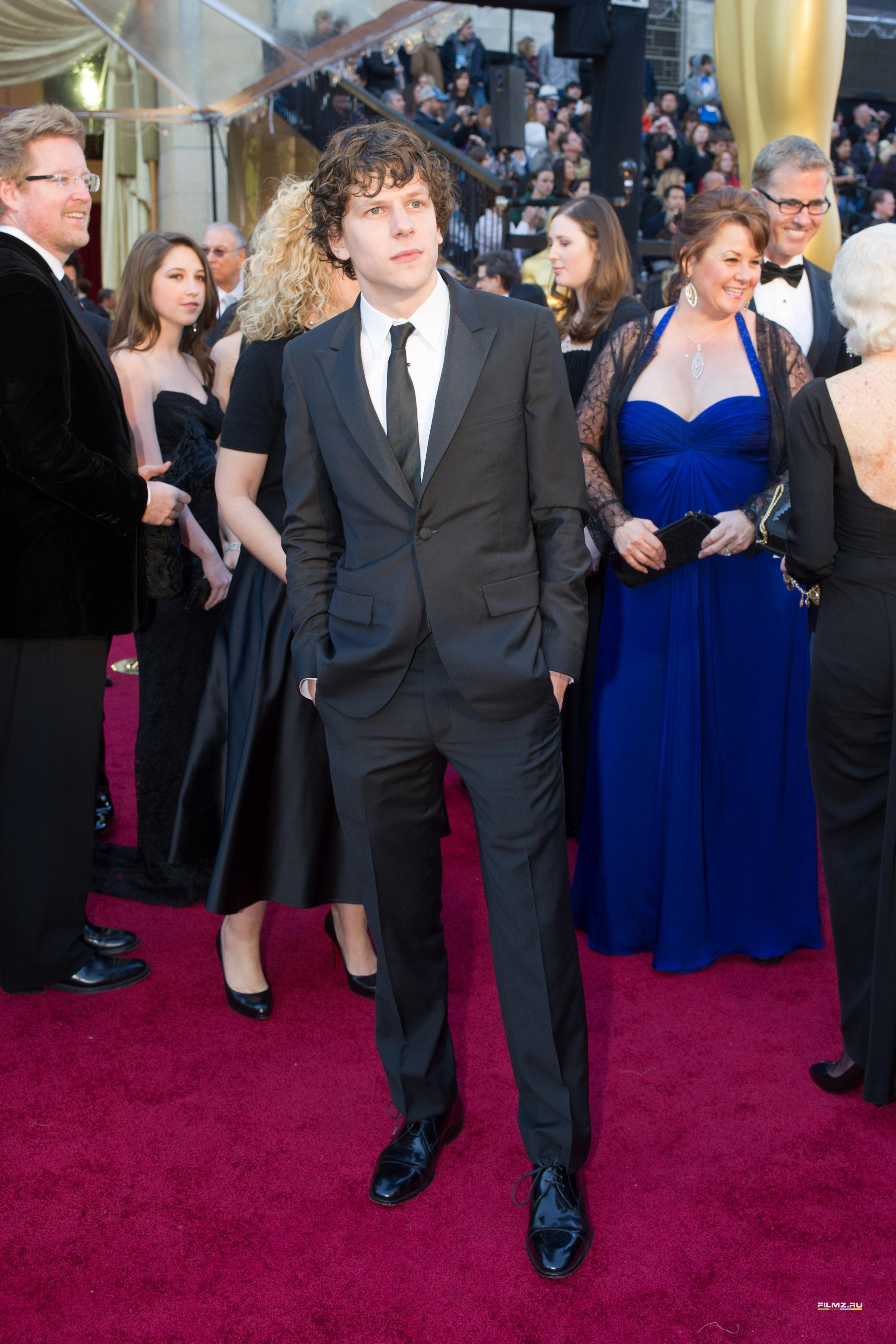 звездная дорожка Оскар 2011 Джесси Айзенберг,