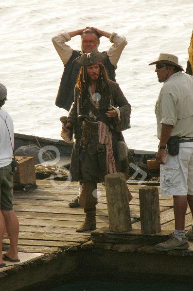 со съемок Пираты Карибского моря: Сундук мертвеца Кевин МакНэлли, Джонни Депп,