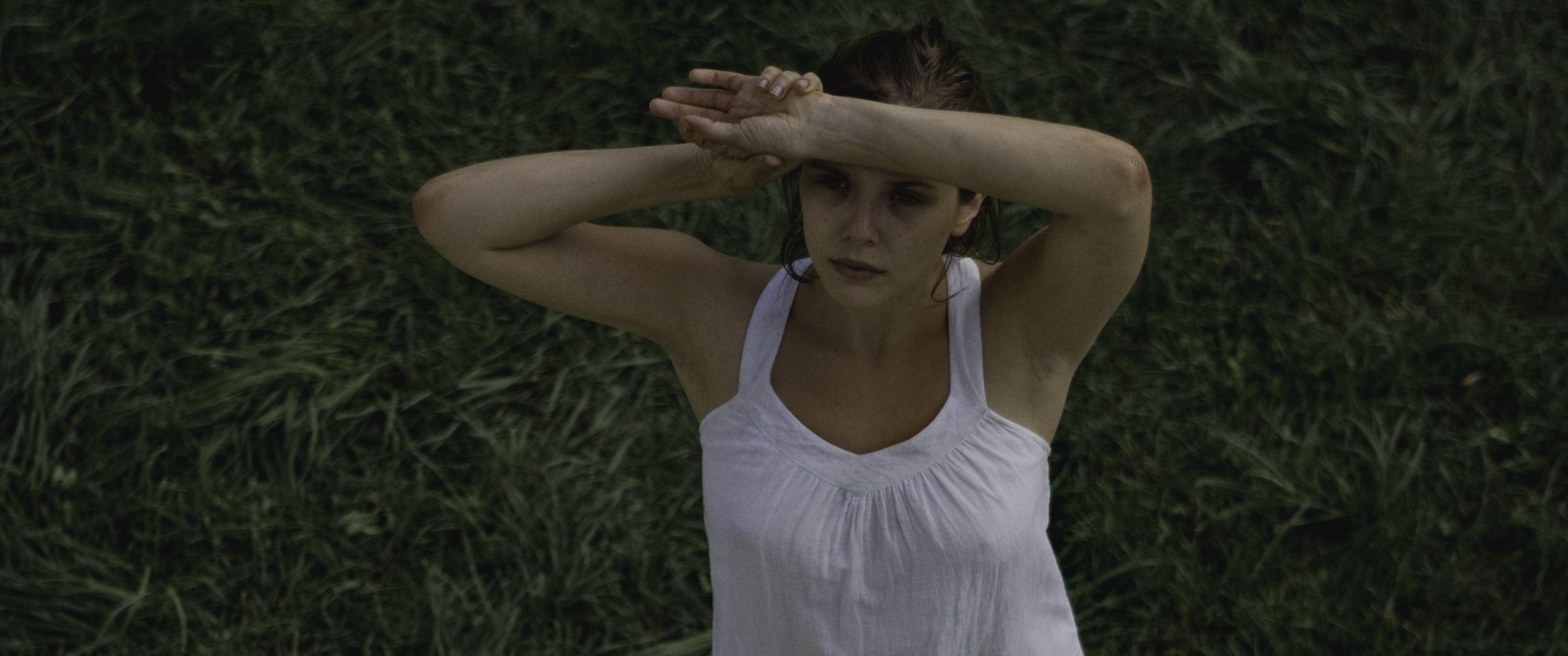 кадры из фильма Марта Марси Мэй Марлен Элизабет Олсен,