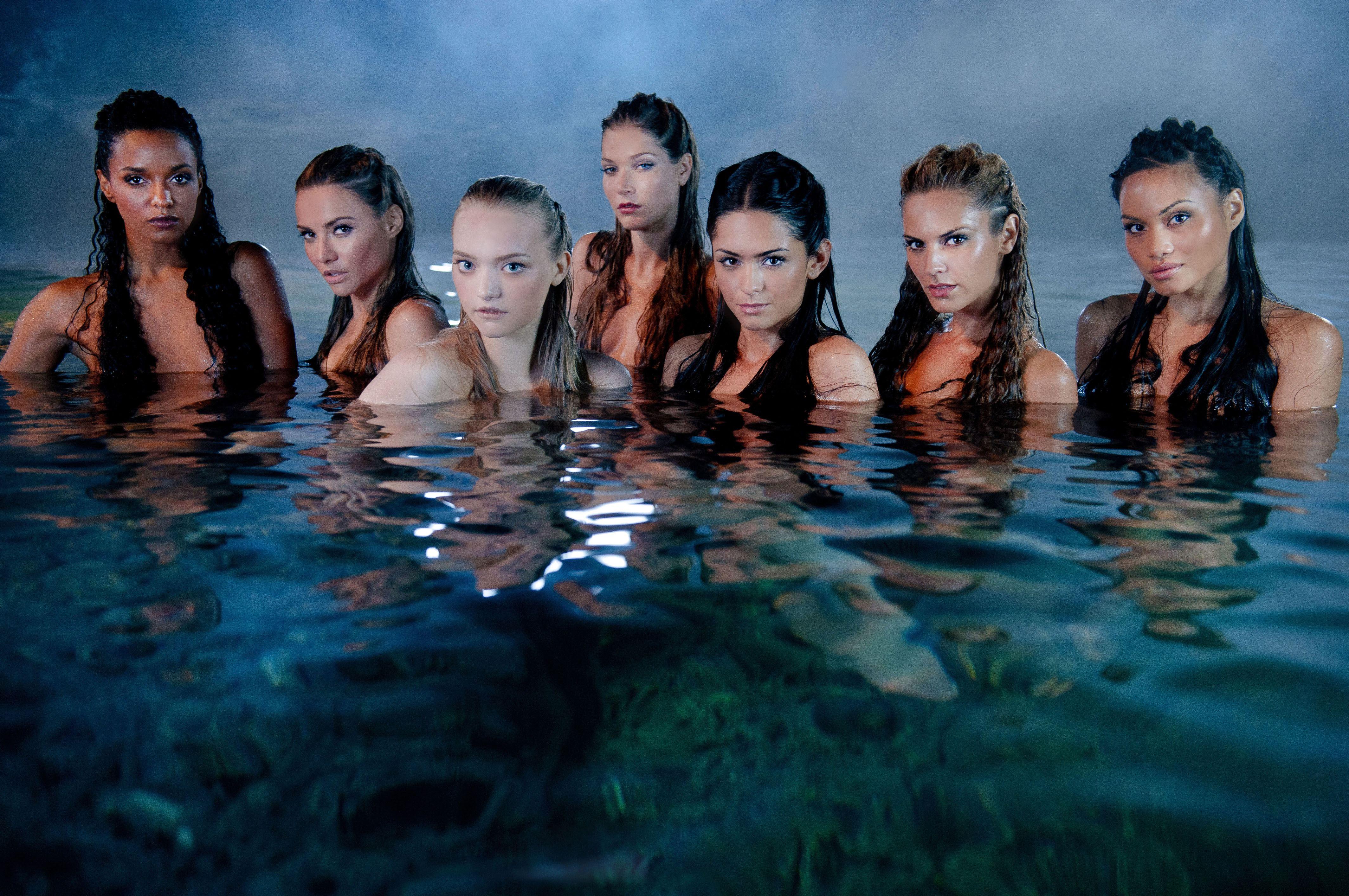 смотреть девушка из воды онлайн бесплатно в хорошем качестве: