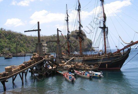 со съемок Пираты Карибского моря: Сундук мертвеца