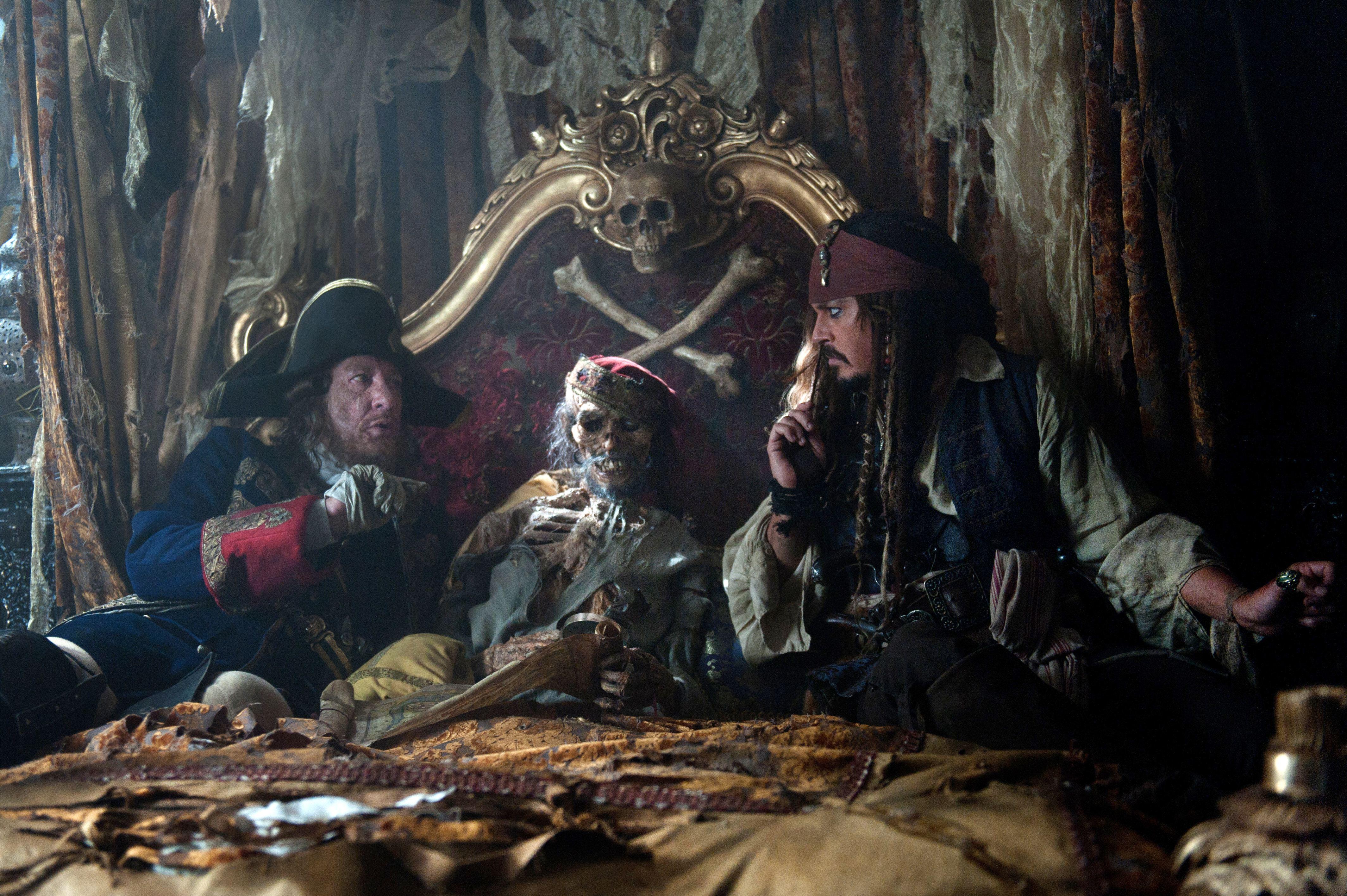 кадры из фильма Пираты Карибского моря: На странных берегах Джеффри Раш, Джонни Депп,