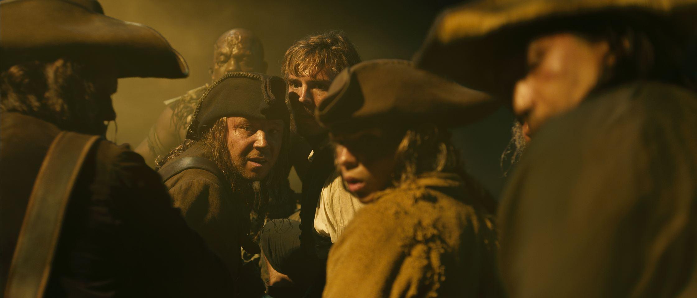 кадры из фильма Пираты Карибского моря: На странных берегах Диобия Оперей, Стивен Грэм, Сэм Клафлин, Робби Кэй,