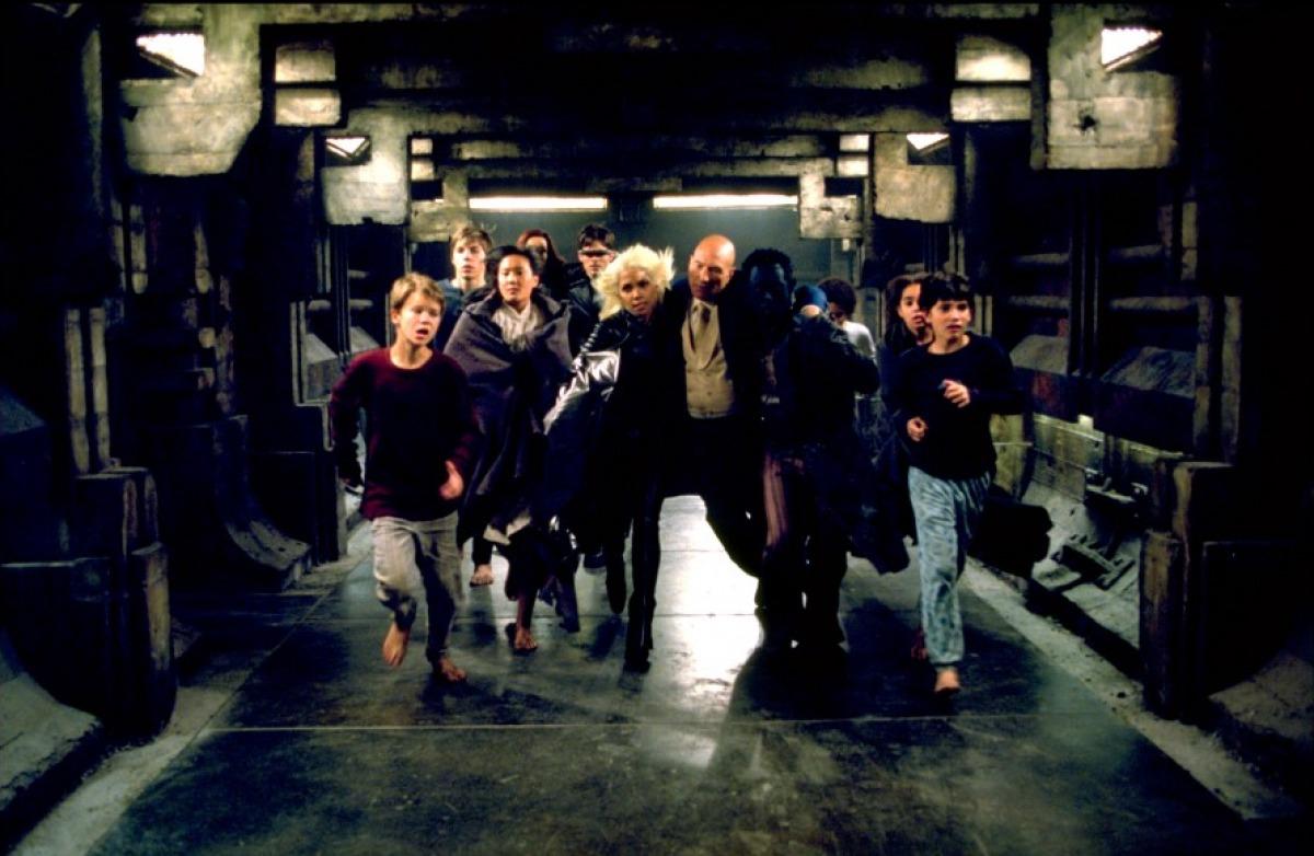 кадры из фильма Люди Икс 2 Джеймс Марсден, Алан Камминг, Патрик Стюарт, Холли Берри,
