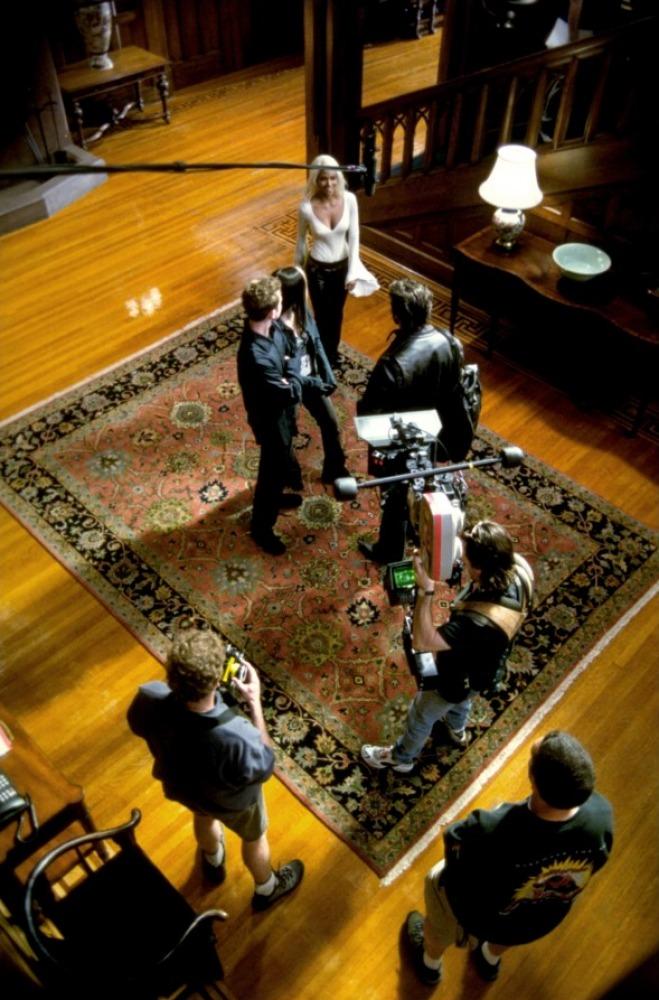 со съемок Люди Икс 2 Шон Эшмор, Анна Пакуин, Хэлли Берри, Хью Джекмен,