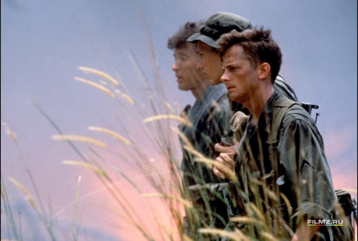 кадры из фильма Военные потери Майкл Джей Фокс,