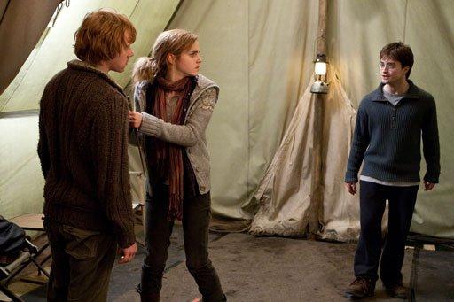 кадры из фильма Гарри Поттер и Дары Смерти: Часть первая Руперт Гринт, Эмма Уотсон, Дэниэл Рэдклифф,