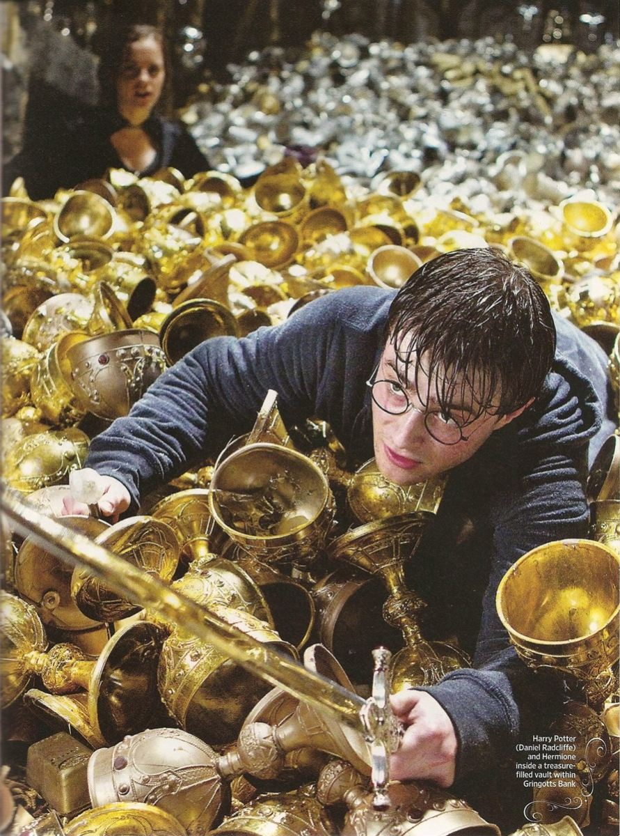 кадры из фильма Гарри Поттер и Дары Смерти: Часть вторая Эмма Уотсон, Дэниэл Рэдклифф,