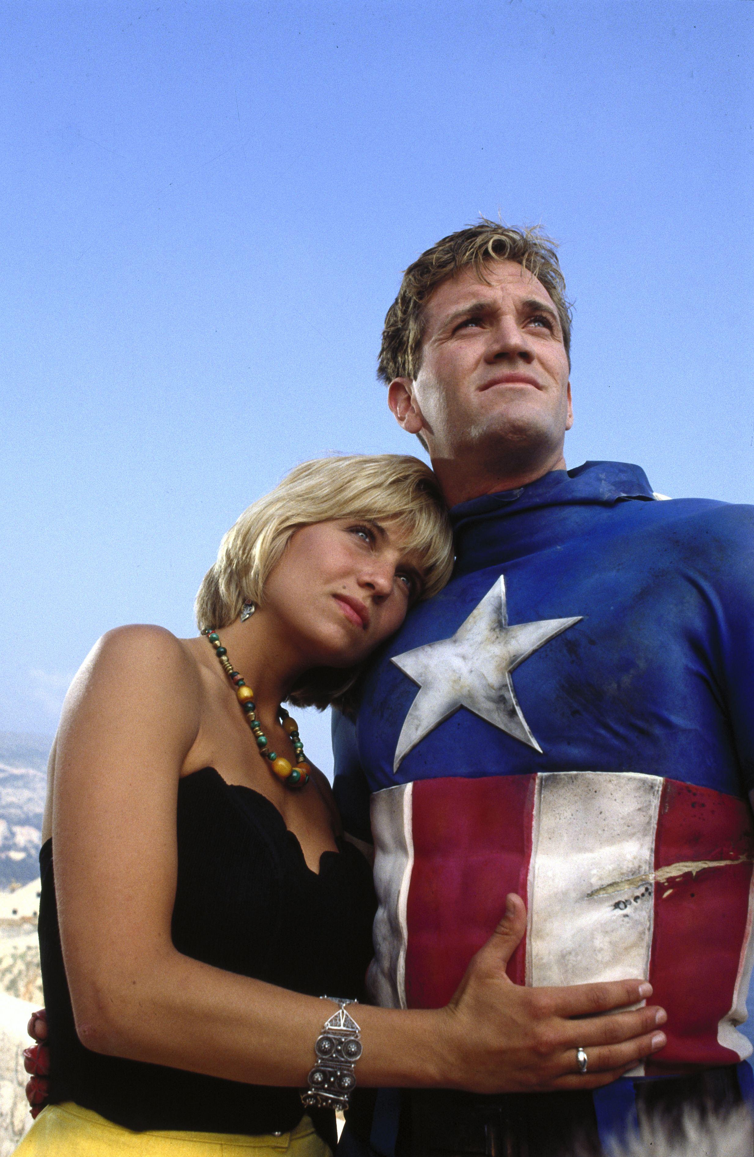 кадры из фильма Капитан Америка Ким Гиллингем, Мэтт Сэлинджер,