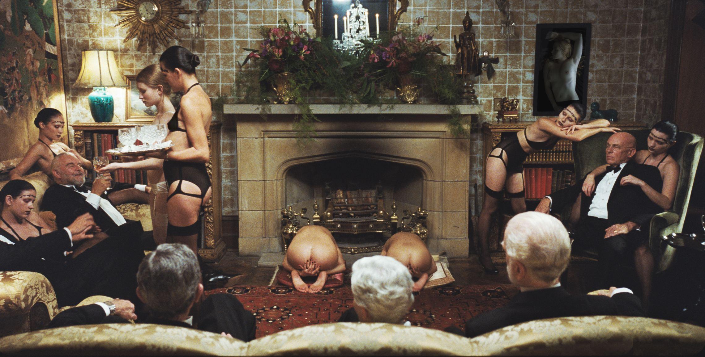 кадры из фильма Спящая красавица Эмили Браунинг,