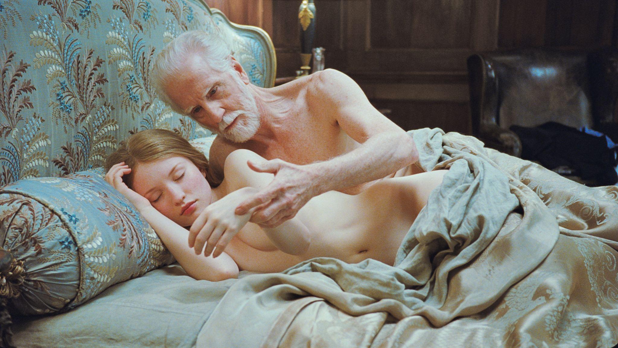 Спящая девушка эротика онлайн