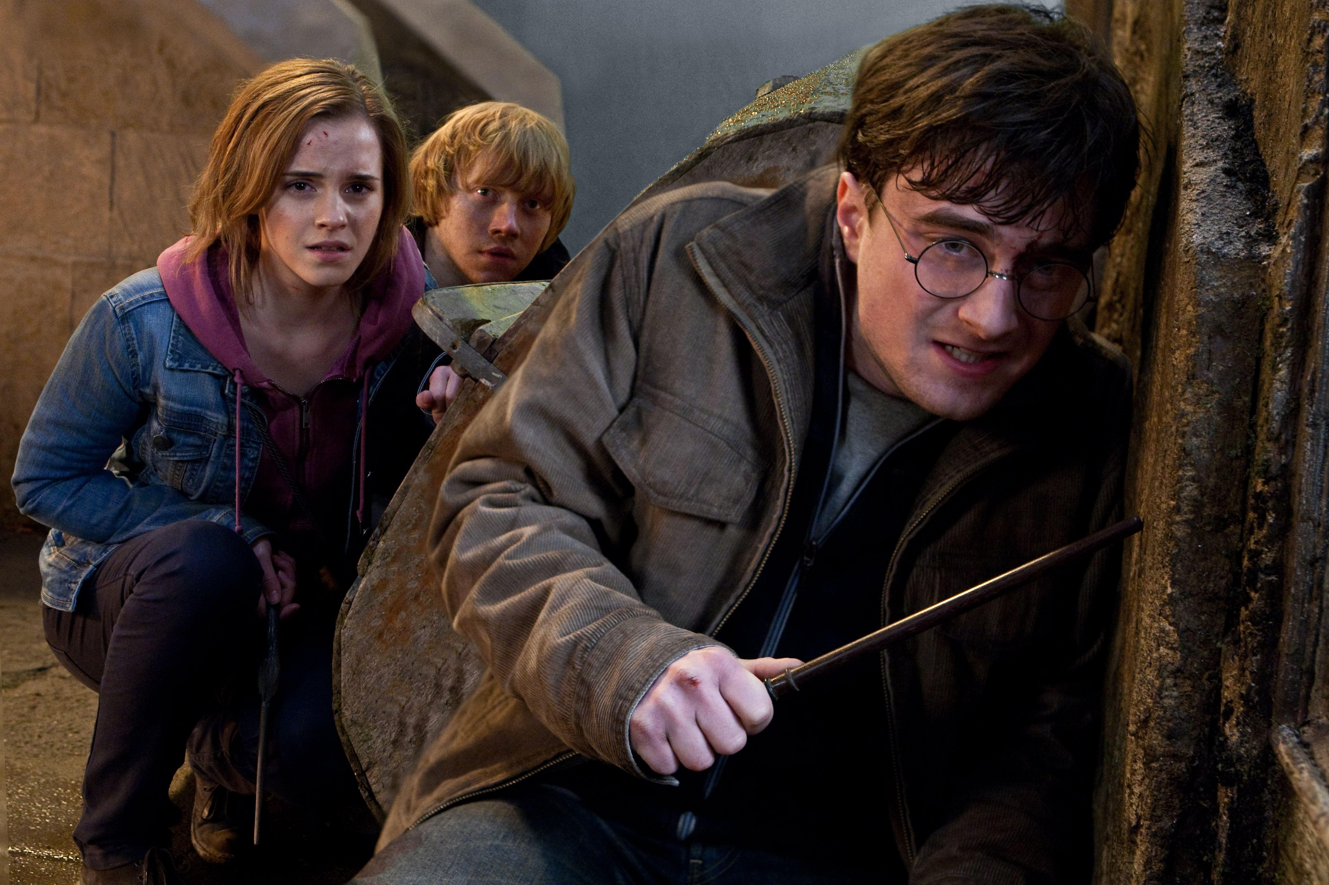 кадры из фильма Гарри Поттер и Дары Смерти: Часть вторая Эмма Уотсон, Руперт Гринт, Дэниэл Рэдклифф,