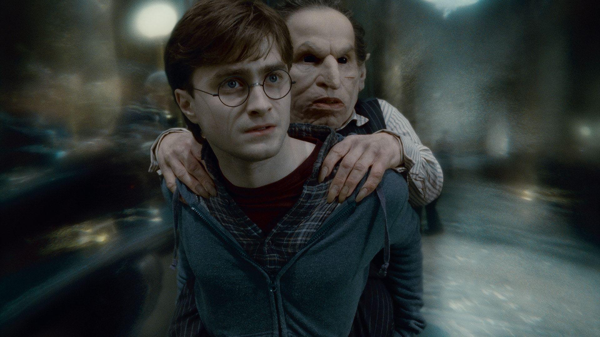 кадры из фильма Гарри Поттер и Дары Смерти: Часть вторая Дэниэл Рэдклифф, Уорвик Дэвис,