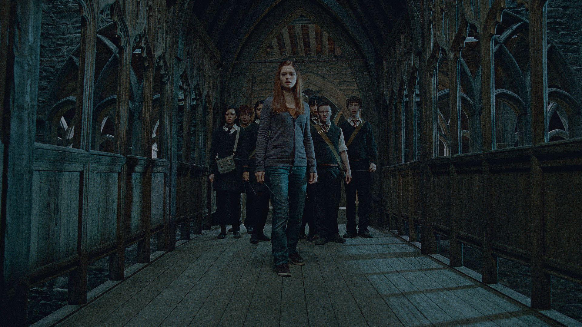 кадры из фильма Гарри Поттер и Дары Смерти: Часть вторая Кэти Люн, Бонни Райт, Девон Мюррей,