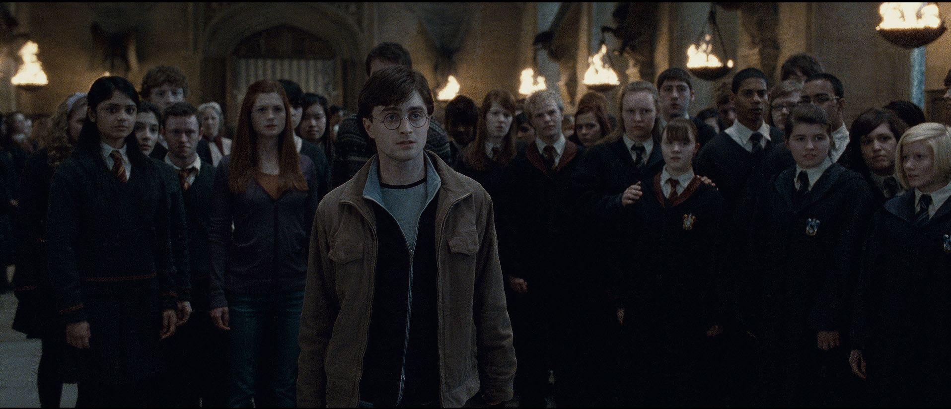 кадры из фильма Гарри Поттер и Дары Смерти: Часть вторая Девон Мюррей, Бонни Райт, Дэниэл Рэдклифф,