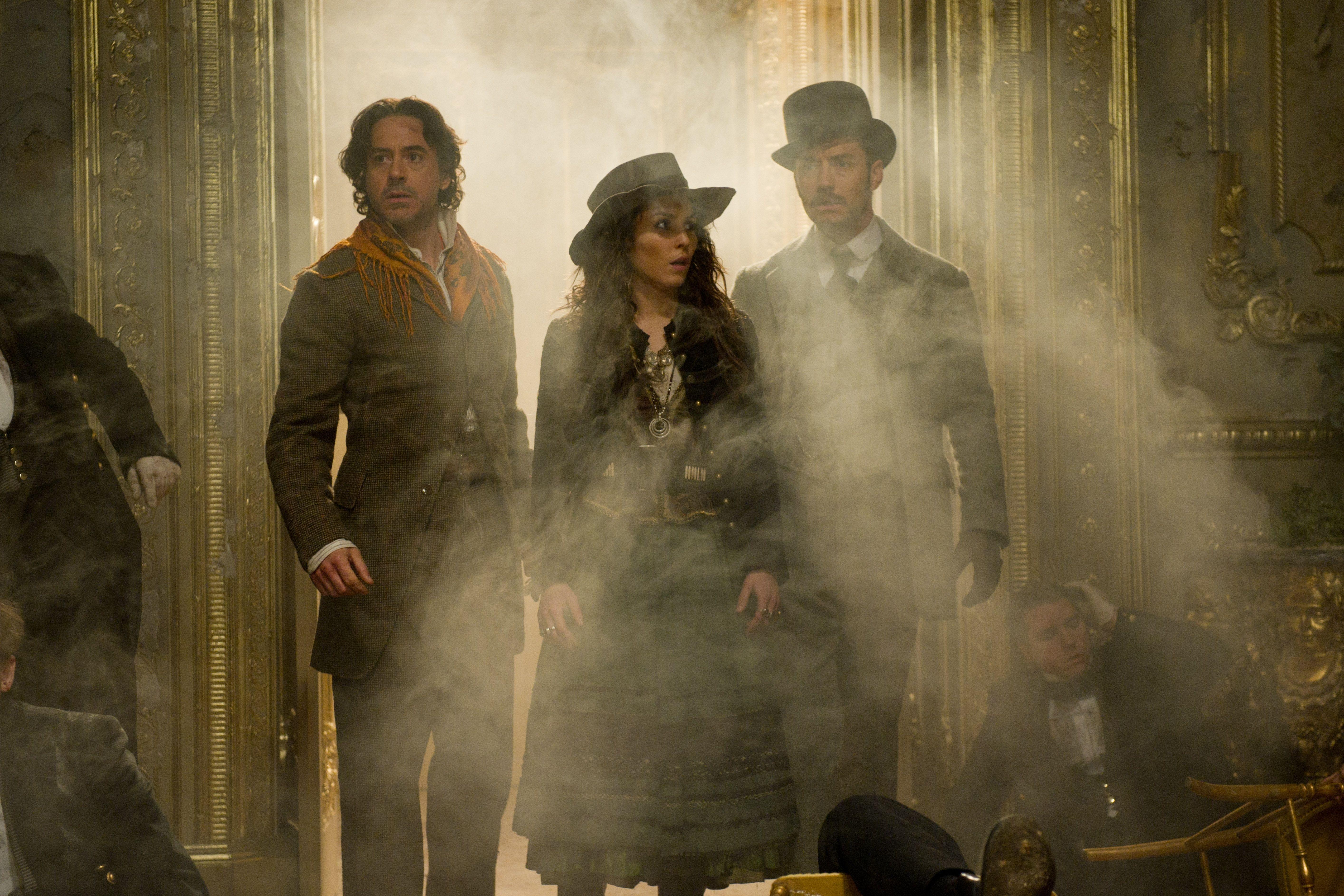 кадры из фильма Шерлок Холмс: Игра теней Роберт Дауни-мл., Номи Рапас, Джуд Лоу,