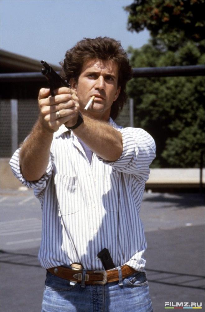 кадры из фильма Смертельное оружие Мел Гибсон,