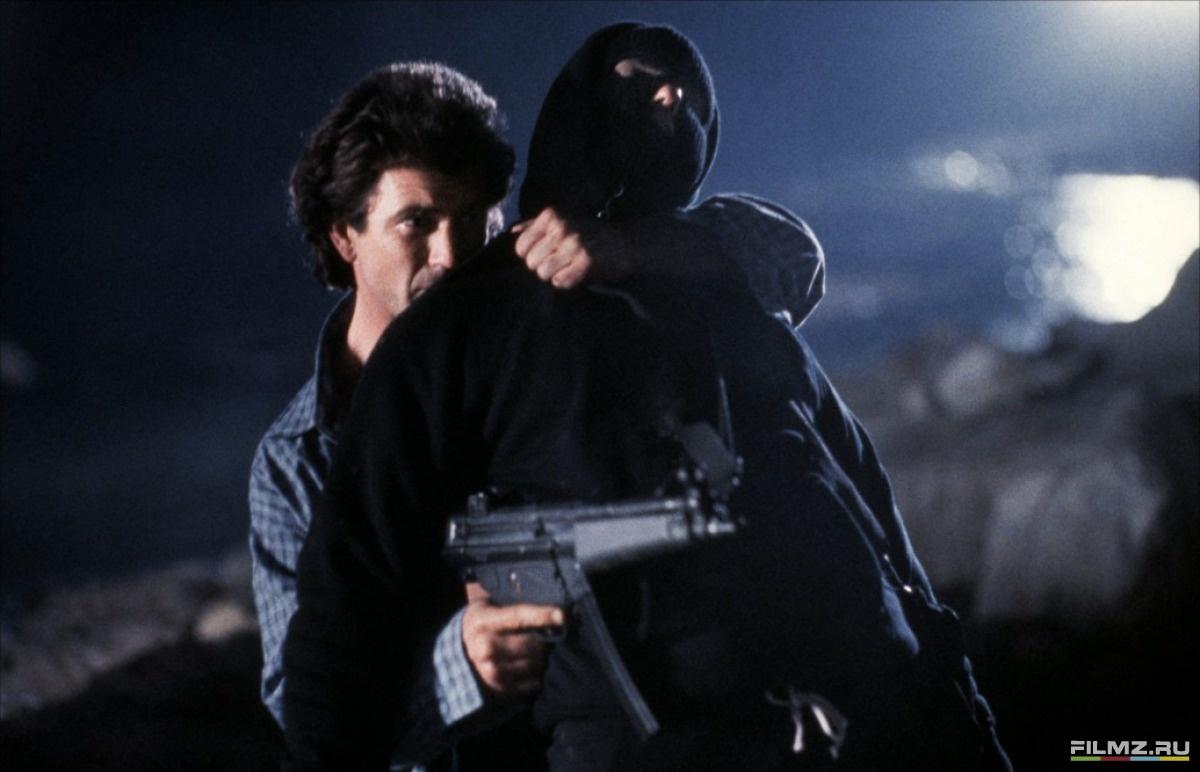 кадры из фильма Смертельное оружие 2 Мел Гибсон,