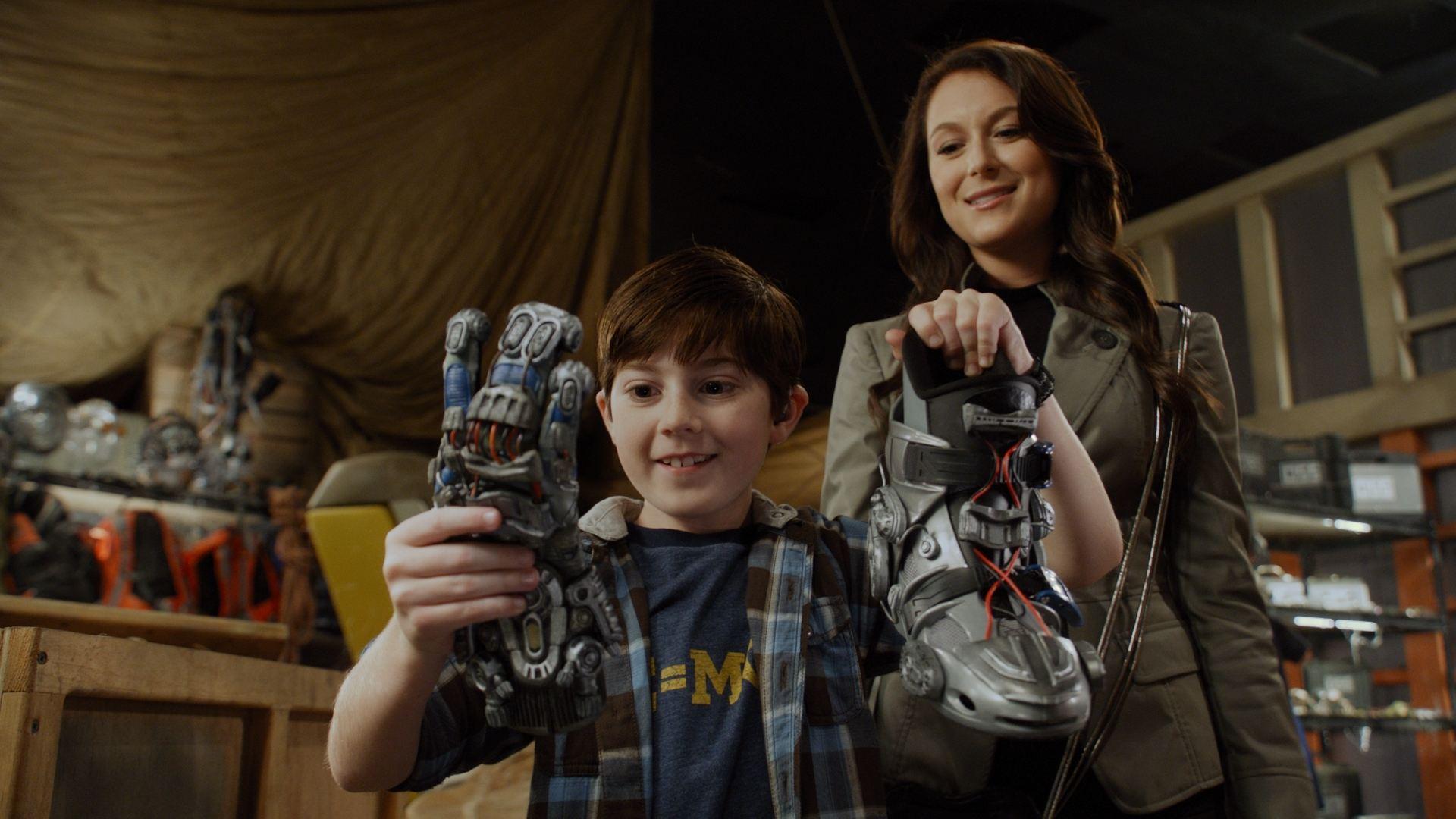 кадры из фильма Дети шпионов в 4D Мэйсон Кук, Алекса ПенаВега,