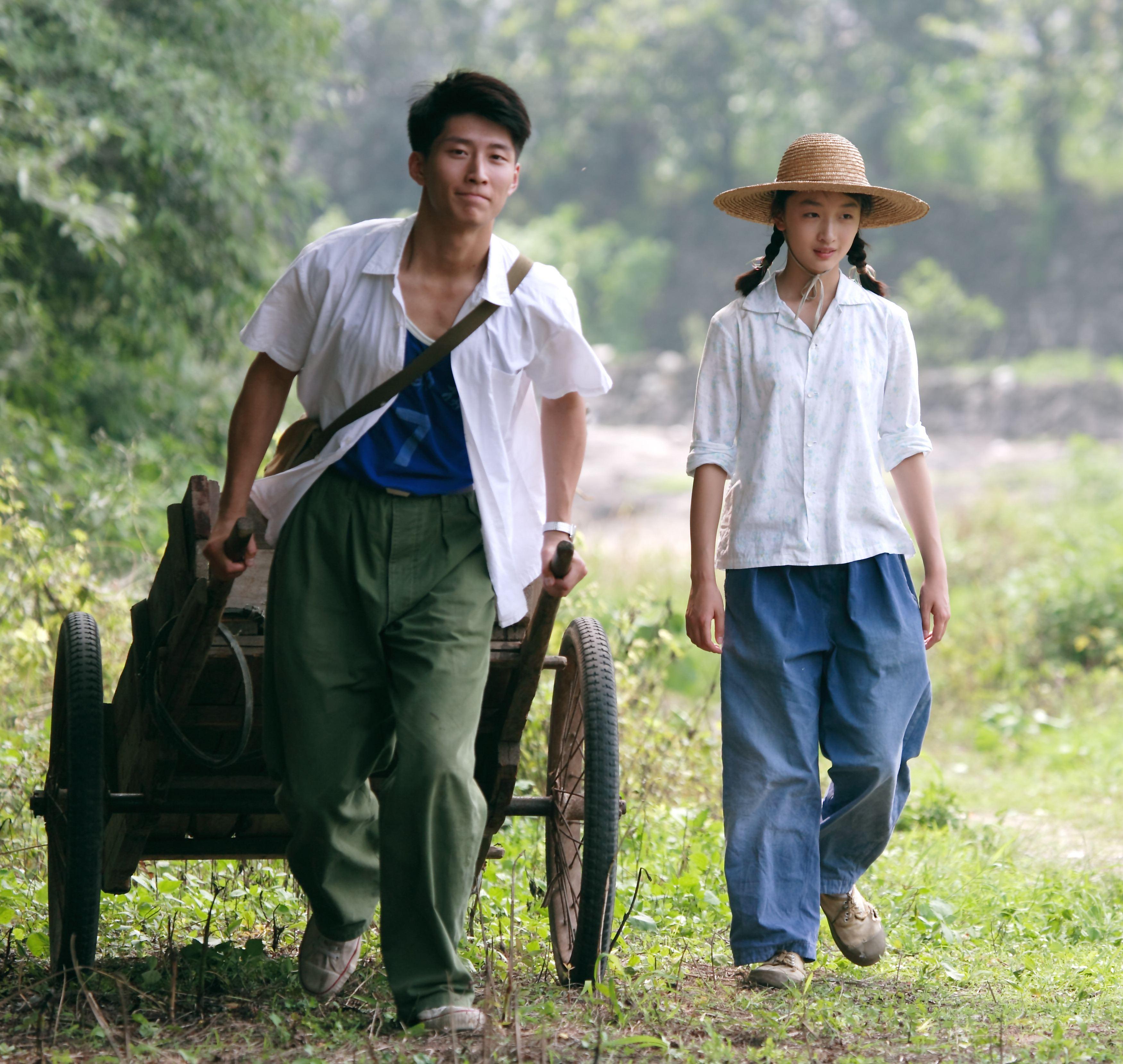 кадры из фильма Под ветвями боярышника Шон Доу, Дунюй Чжоу,