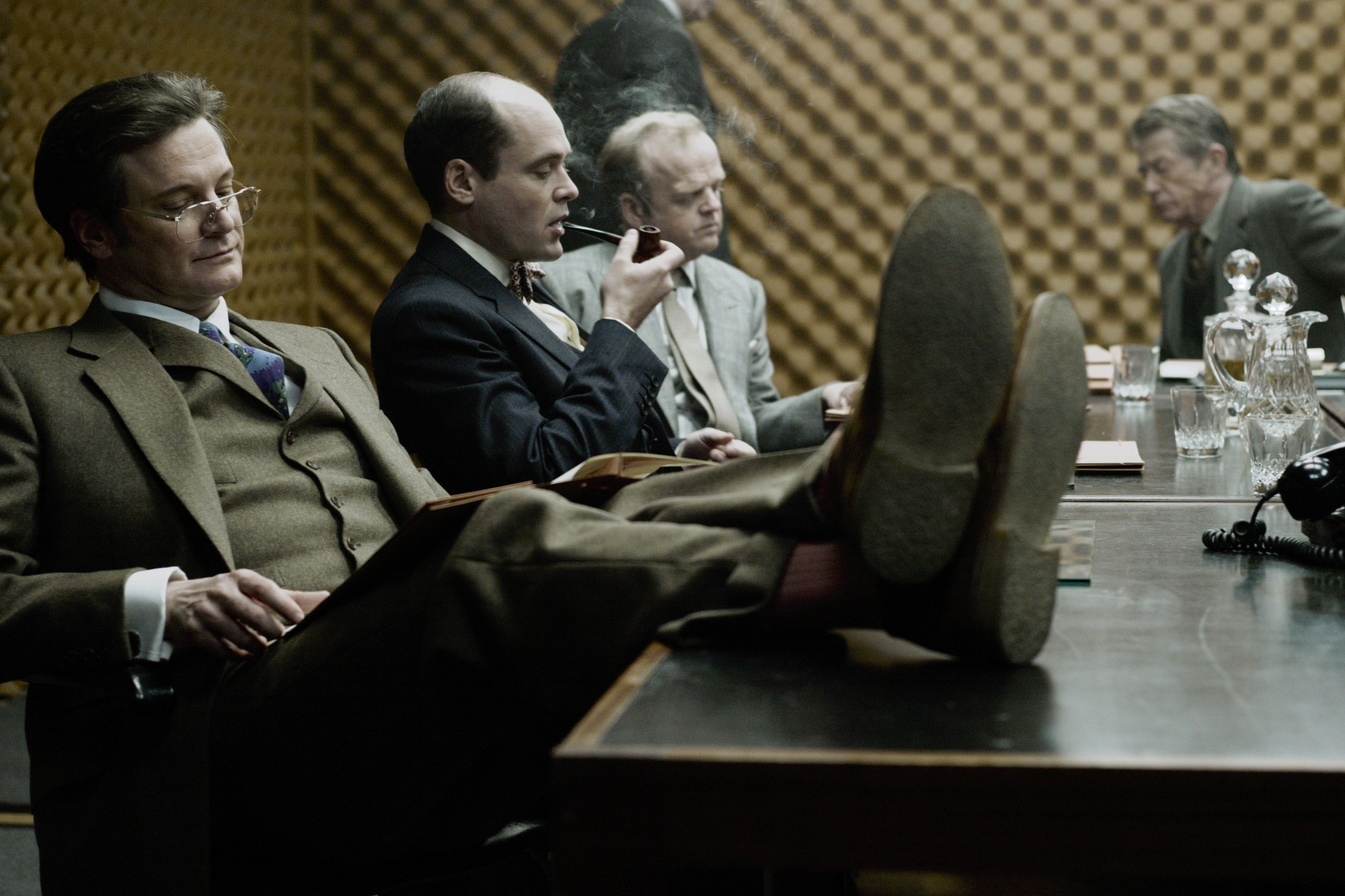 кадры из фильма Шпион, выйди вон! Колин Ферт, Давид Денсик, Тоби Джонс, Джон Херт,