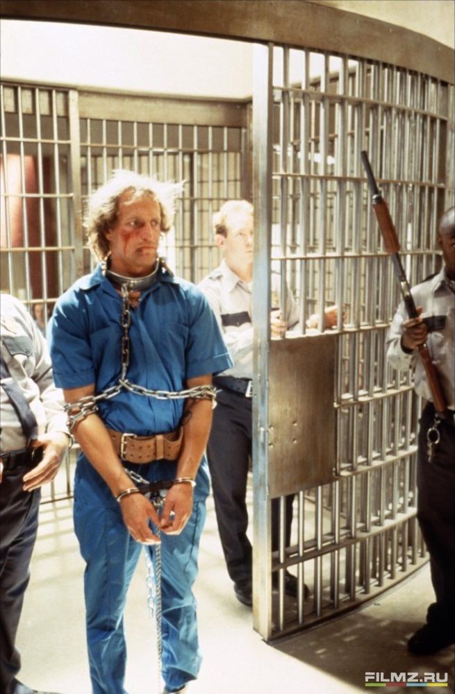 кадры из фильма Прирожденные убийцы Вуди Харрельсон,