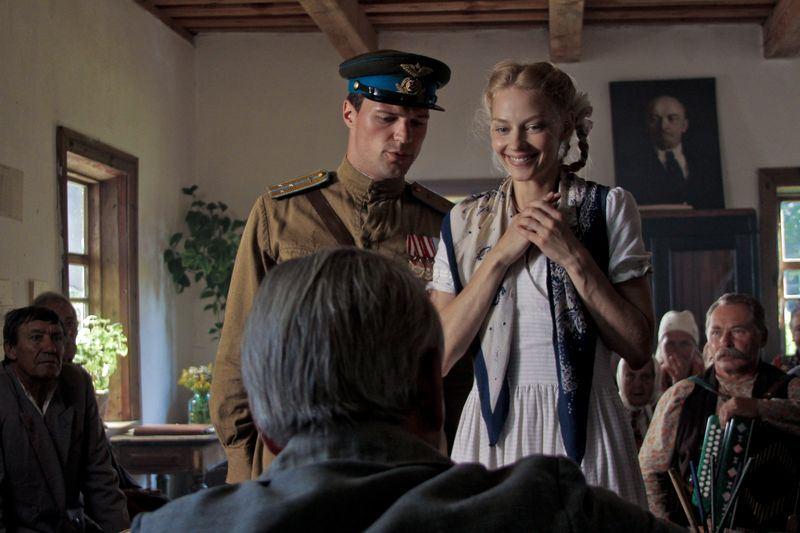 кадры из фильма Пять невест Данила Козловский, Светлана Ходченкова,