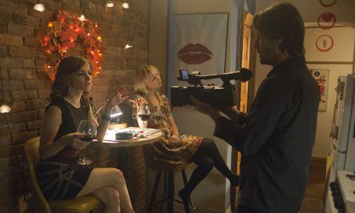 кадры из фильма Трое в Нью-Йорке Бояна Новакович, Эделейд Клеменс, Киану Ривз,