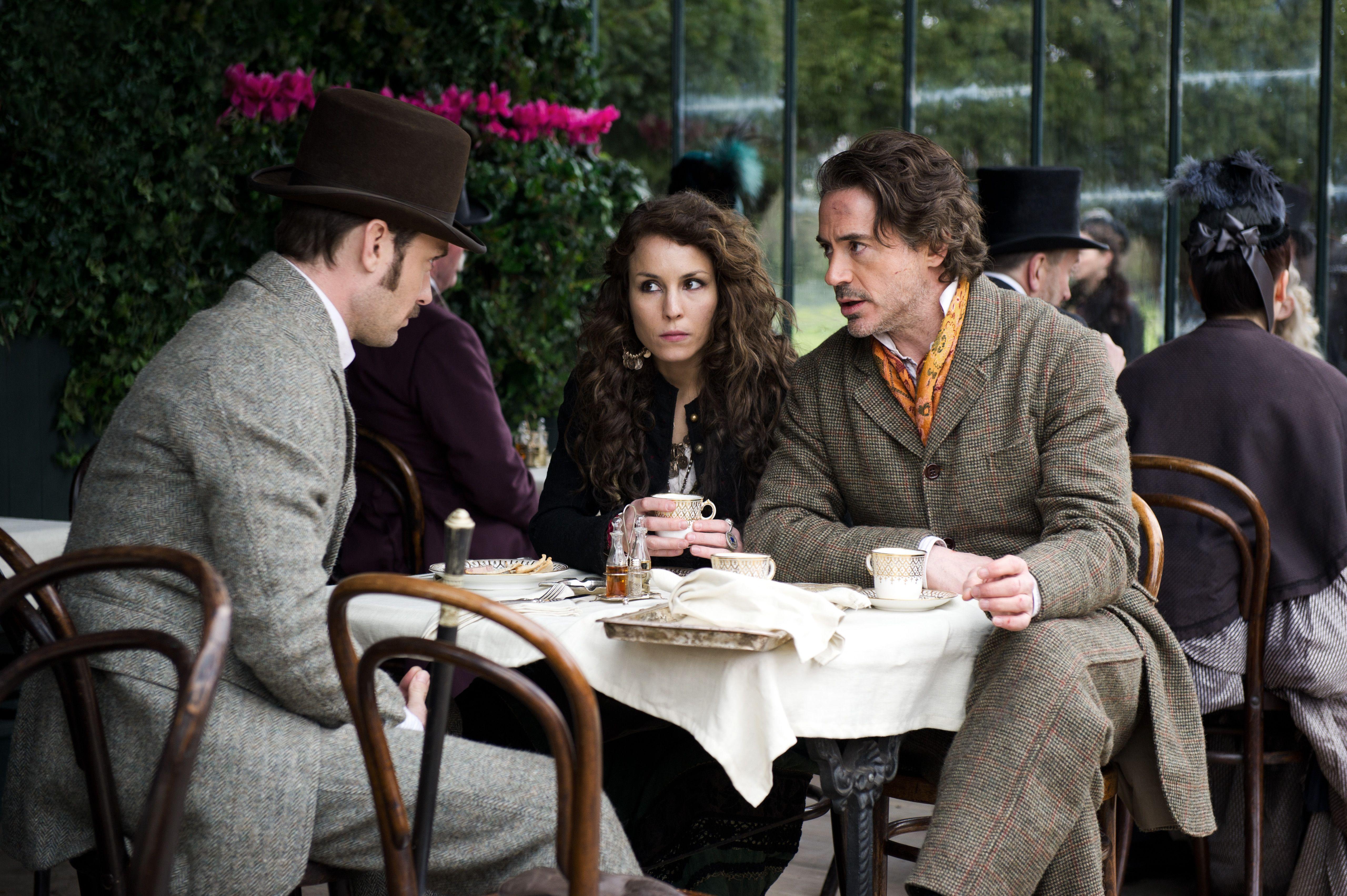 кадры из фильма Шерлок Холмс: Игра теней Джуд Лоу, Номи Рапас, Роберт Дауни-мл.,
