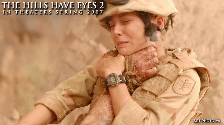 кадры из фильма У холмов есть глаза 2