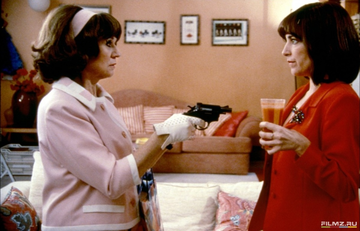 кадры из фильма Женщины на грани нервного срыва Джульета Серрано, Кармен Маура,