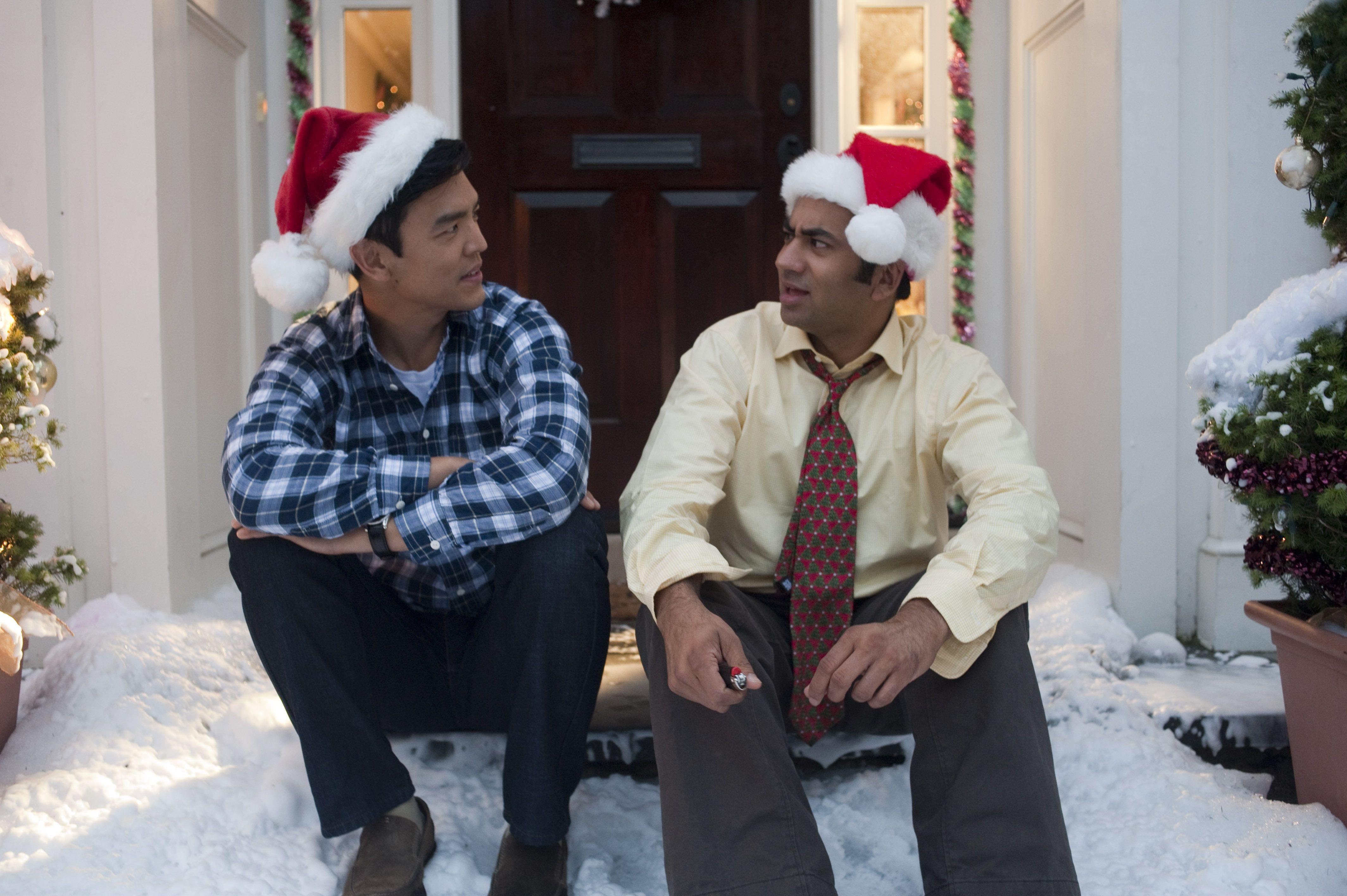 кадры из фильма Убойное Рождество Гарольда и Кумара Джон Чо, Кал Пенн,