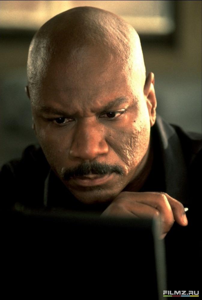 кадры из фильма Миссия: Невыполнима 2 Винг Рэймс,