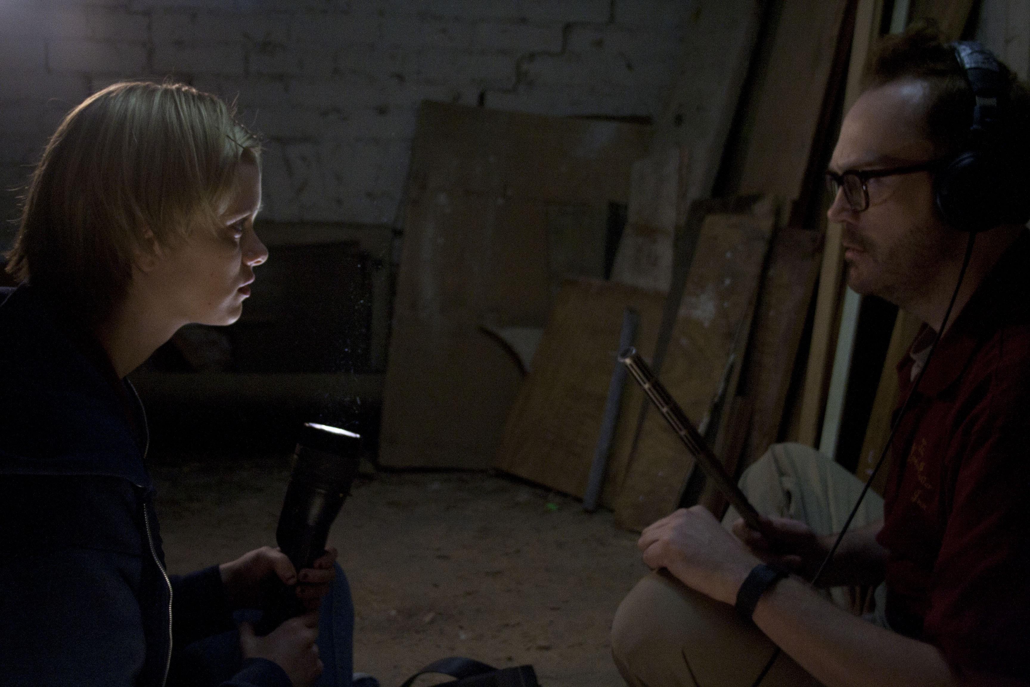 кадры из фильма Тайны старого отеля Сара Пэкстон, Пэт Хили,
