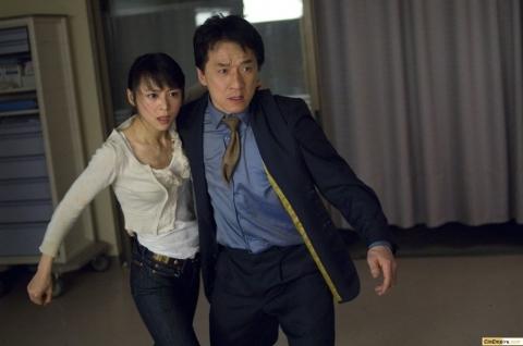 кадры из фильма Час пик 3 Цзинчу Чжан, Джеки Чан,
