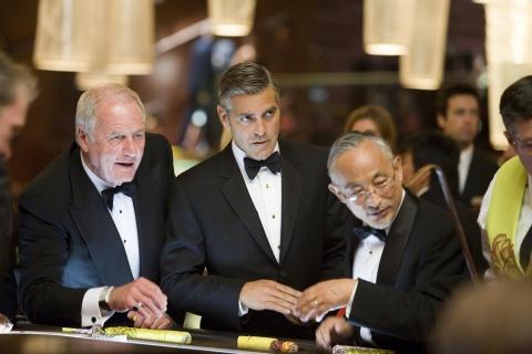 кадры из фильма Тринадцать друзей Оушена Джерри Вайнтрауб, Джордж Клуни,