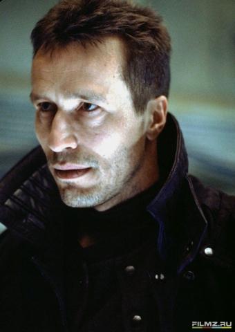 кадры из фильма Чужой 4: Воскрешение Майкл Уинкотт,
