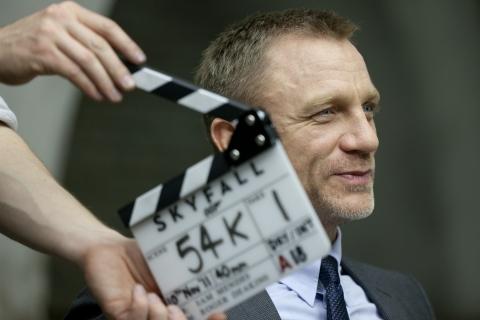 со съемок 007 Координаты Скайфолл Дэниел Крэйг,