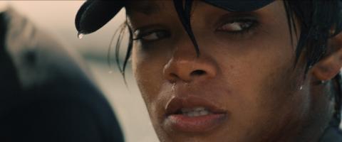 кадры из фильма Морской бой  Рианна,