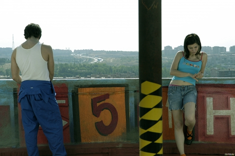 кадры из фильма Темно-синий, почти черный Эва Паярес, Ким Гутьеррес,