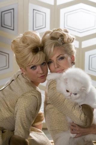 кадр №12020 из фильма Лак для волос