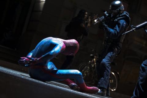 кадры из фильма Новый Человек-паук Эндрю Гарфилд,