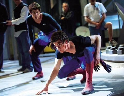 со съемок Новый Человек-паук Эндрю Гарфилд,